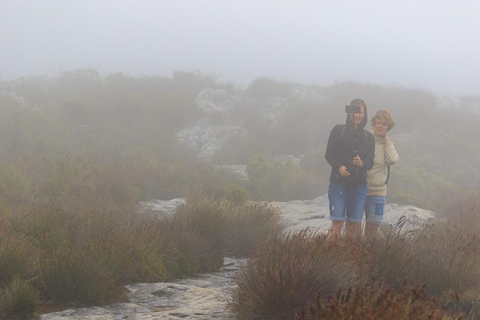 We zijn gestart in de mist | Tafelberg, Kaapstad, Zuid-Afrika, 3 december 2018