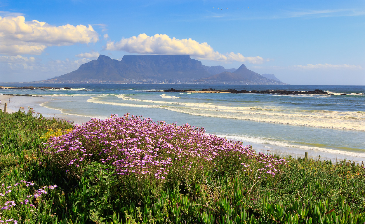 Permalink to: Featured Category Slider uitzicht op Tafelberg